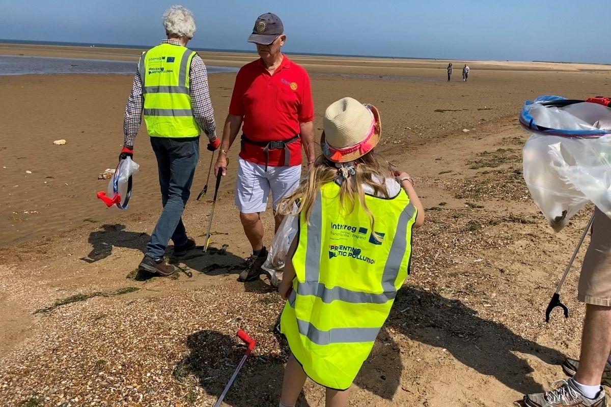 Litter pick on the beach